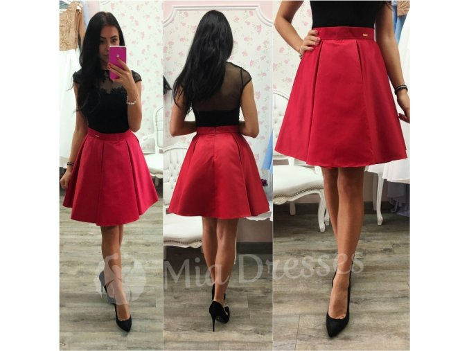 Červená krátka sukňa