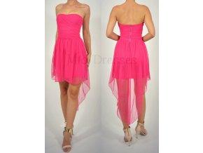 Cyklaménové asymetrické spoločenské šaty