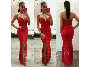 Červené čipkované šaty s hlbokým výstrihom