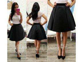 Čierna krátka sukňa