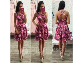 Kvetinové áčkové šaty