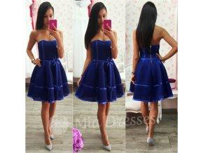 Modré šaty s mašličkami